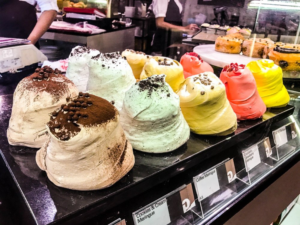 things to eat in Singapore, gastronomia Bukit Timah da paolo Botanic Gardens SMRT things to do in Singapore Bukit Timah food cafe bistro coffee follow Edukate Singapore learn new things about Singapore lifetstyle al fresco cafe coffee joints places to hang out meringue dessert